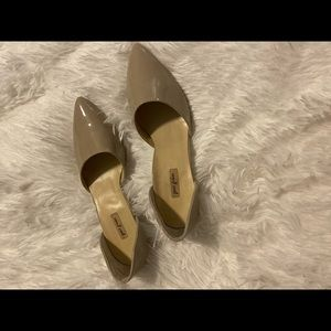 Taupe patent leather plow heel pups size 9